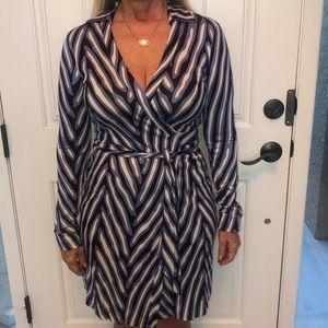 Diane von Furstenberg dress-size 6
